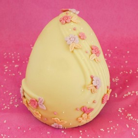 Easter egg with white chocolate