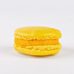 French Macarons Mango