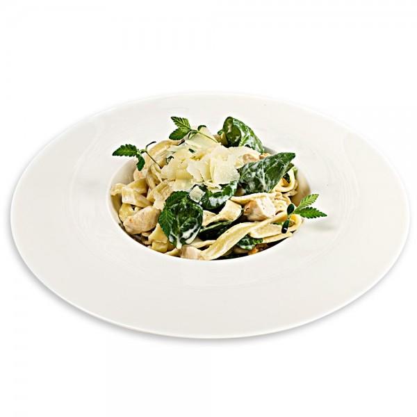 Tagliatelle with chicken, spinach and mozzarella